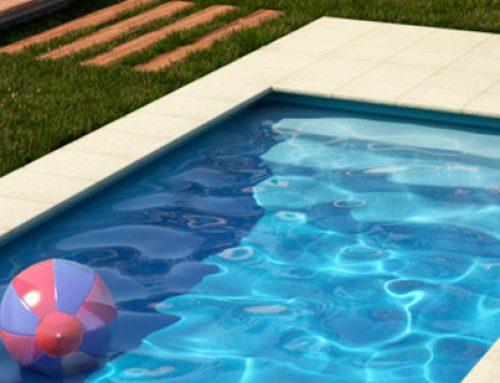 ¿Cuál es la mejor forma de cuidar el agua de mi piscina?